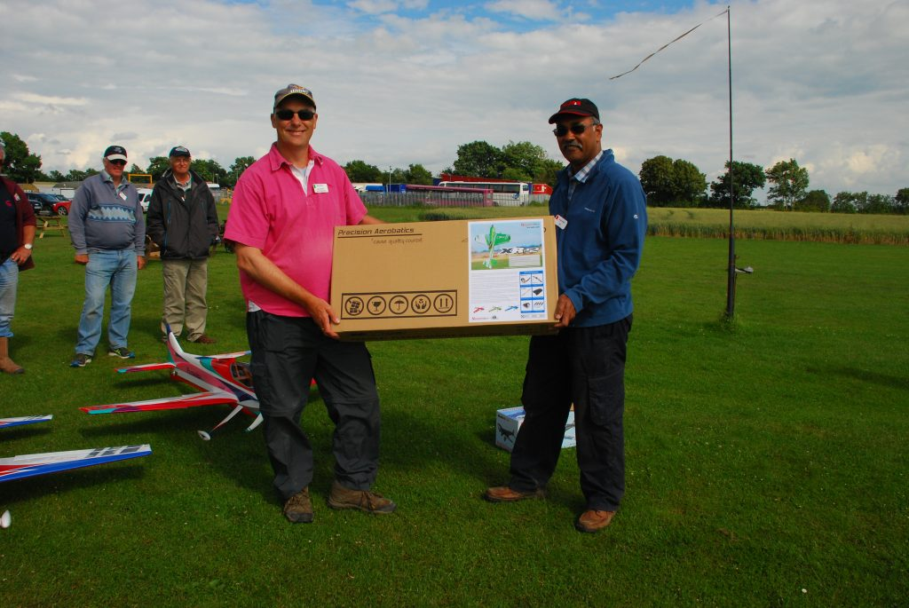 1st place Mike Rieder getting his prize an XR 52 from MacGregor Industries and the BMFA
