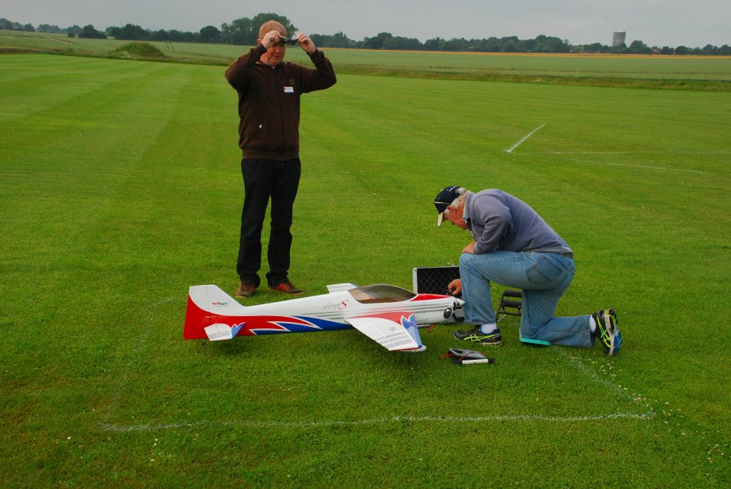 Garry Peacock and Bill Michie preparing Bill's Angel for the Clubman Demo flights